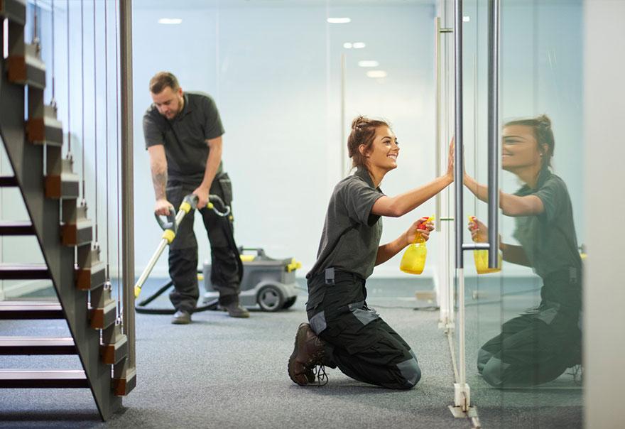 Dịch vụ vệ sinh văn phòng là phương án tối ưu cho các công ty