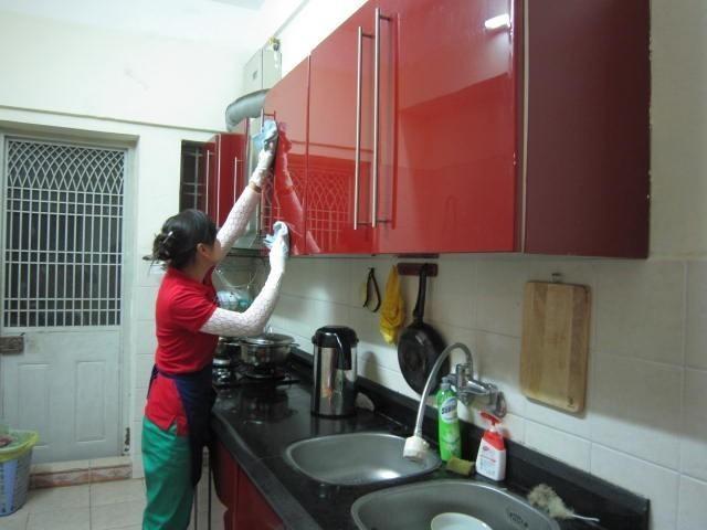 Công tác vệ sinh nhà cửa