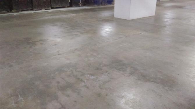 Đánh bóng sàn bê tông sẽ giúp sàn bóng đẹp luôn như mới